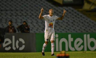 """Diego Pituca, jogador do Santos, sobre o Free Fire: """"Já virei mestre"""""""
